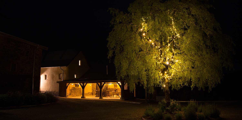 hayne-night-barn